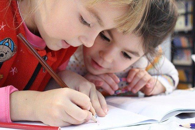 Wolne szkoły to takie, w których nie ma ocen, fot. Pixabay,com